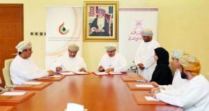 """""""التعليم العالي"""" و """"أوبال"""" توقعان اتفاقية تعاون لتنفيذ دراسة عن الخريجين العاملين بقطاع النفط والغاز"""