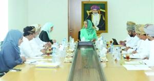 اللجنة الاشرافية لجائزة السلطان قابوس للتنمية المستدامة في البيئة المدرسية تعقد اجتماعها الاول