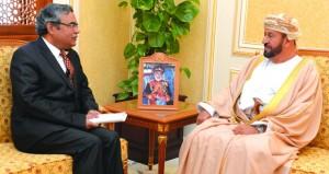 الوزير المسؤول عن شؤون الدفاع يستقبل السفير الهندي