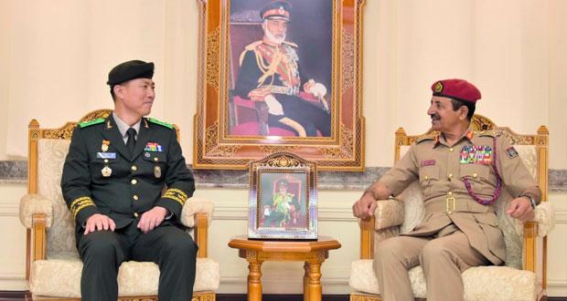 بحث التعاون العسكري بين السلطنة وكوريا الجنوبية