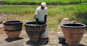 الهيئة العامة للصناعات الحرفية توثق حرفة صباغة النيلة