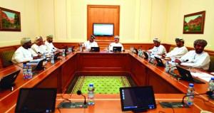 """لجنة الخدمات بالشورى تناقش مستجدات الخدمات والباقات المقدمة من """"عمانتل"""""""