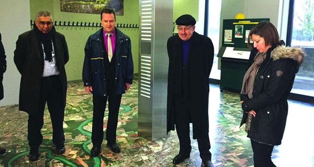 رئيس بلدية مسقط يطلع على التجارب الخدمية لمدينة جنيف