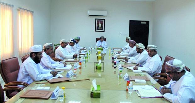 الإجتماع الدوري للمؤسسات الحكومية بسمائل يناقش عدداً من المواضيع الخدمية للمواطنين بالولاية