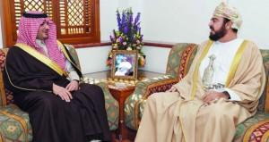 أسعد بن طارق يستقبل وزير الداخلية السعودي