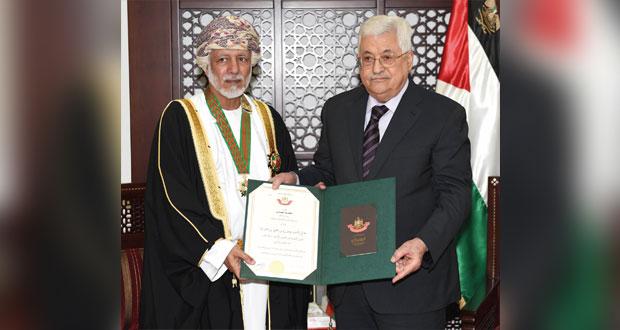 تحيات جلالة السلطان للرئيس الفلسطيني ينقلها ابن علوي