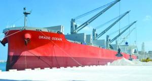 ميناء صلالة يسجل رقماً قياسياً بأحجام البضائع العامة المناولة في يناير الماضي