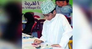 معرض مسقط الدولي للكتاب يشهد إقبالا متزايدا من الزوار والفعاليات الثقافية وبرامج الطفل تواصل برامجها