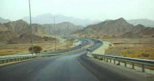 رئيس مجلس المناقصات: مشـروع الحارات الإضافية لطريق الرسـيل ـ نزوى سيطرح قريباً