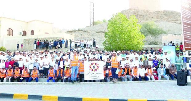 1200 متطوع يشاركون في المعسكر الثامن بنيابة بركة الموز