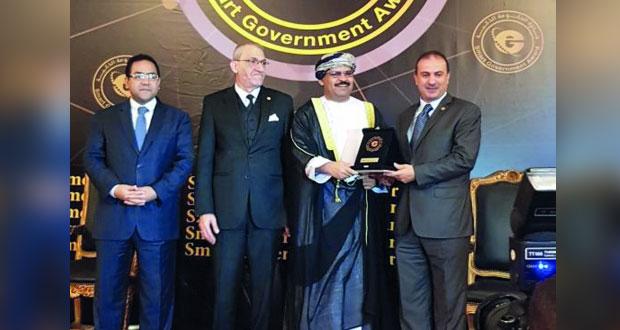 """""""حماية المستهلك"""" تحصل على جائزة درع الحكومة الذكية العربية للمرة الثالثة على التوالي"""