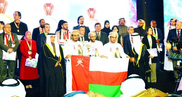 أبناء السلطنة يحققون ميداليتين فضيتين في معرض الاختراعات بالشرق الأوسط في الكويت