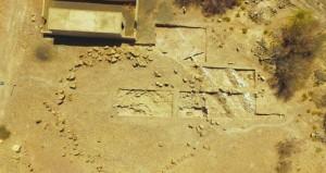 وزارة التراث والثقافة تبدأ أعمال المسح والتنقيب في موقع الخشبة الأثري بالمضيبي