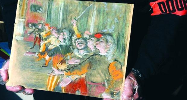 العثور على لوحة للفنان الفرنسي ديجا في حافلة قرب باريس