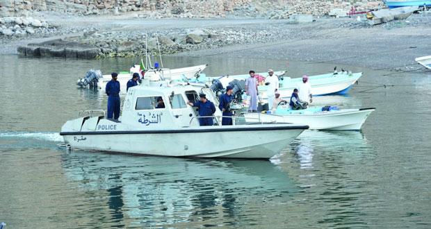 خفر السواحل تقدم المساعدة لـ60 شخصاً في عرض البحر وتنقل 15 حالة مرضية إلى المستشفيات