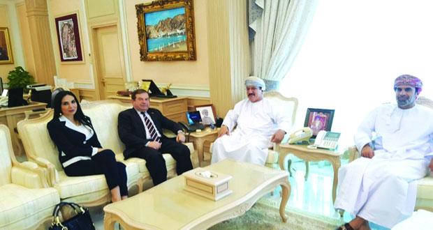 بحث التعاون بين وزارة الإسكان والاتحاد العربي للمساحة