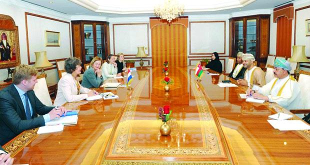 جلسة مشاورات بين السلطنة وهولندا أكدت على أهمية دفع الاستثمار الاقتصادي بين البلدين