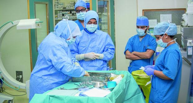 المجلس العماني للاختصاصات الطبية ينظم برنامجاً حول المهارات الأساسية للأطباء المقيّمين في العام الأكاديمي الأول