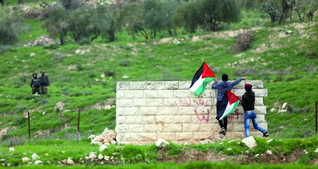 الفلسطينيون يعتبرون قرار افتتاح السفارة الأميركية بالقدس في مايو استفزازا لمشاعر العرب والمسلمين