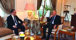 أبو الغيط يبحث مع وزير خارجية فنزويلا التطورات في المنطقة