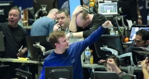 (وول ستريت) تقود الأسواق لـ (الأحمر) .. وخبراء يرونه (تصحيحا)