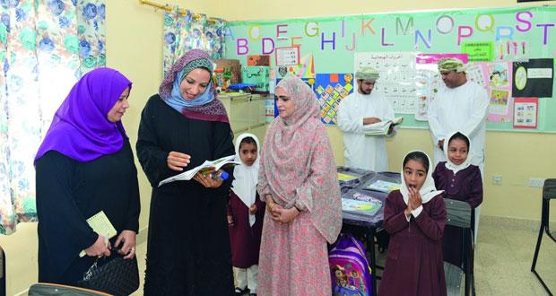 وزيرة التربية والتعليم تطلع على سير العمل في عدد من مدارس قريات
