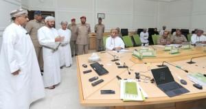 الوزير المسؤول عن شؤون الدفاع يطَّلع على سير ندوة الابتكار في العمل الحكومي