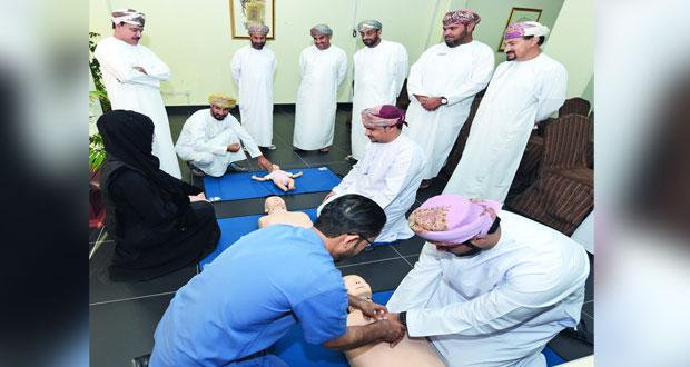 وزارة الإعلام تنظم برنامجًا تدريبيًا في مجال الإنعاش القلبي والرئوي والإسعافات الأولية