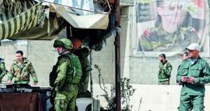 سوريا: قوافل مساعدات إنسانية تدخل عفرين .. ومسلحو الغوطة يواصلون منع خروج المدنيين