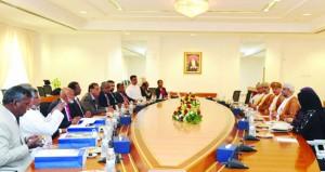 بحث سبل التعاون الاقتصادي والاستثماري بين السلطنة وسريلانكا
