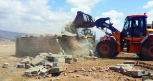 بلدية ظفار تواصل تنفيذ حملات الإزالة للحيازات غير القانونية بنيابة طيطام