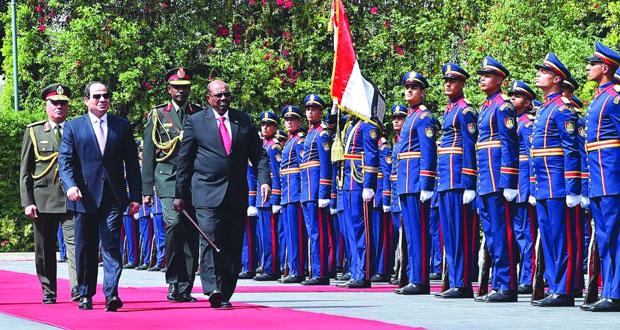 السيسي والبشير يتفقان على تعزيز العلاقات الأمنية بين بلديهما