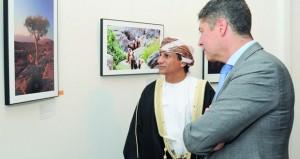 """""""عمان في نظر الفرنكوفونيين"""" معرض فني بالمركز العماني الفرنسي"""