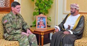 بحث مجالات التعاون العسكري بين السلطنة والولايات المتحدة الأميركية