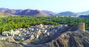 عدسة نائف الرقيشي توثق جمالية المكان بقرية سيماء العلاية بإزكي