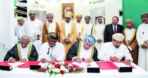 """""""تنمية نفط عُمان"""" تسند عقود صيانة كافة آبارها لشركات عمانية بحوالي 800 مليون دولار"""