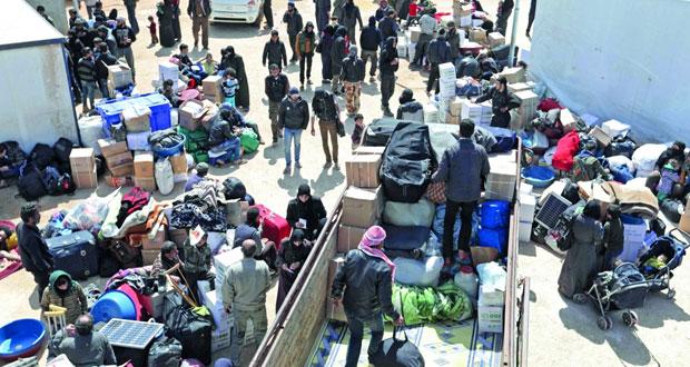 سوريا: مئات المدنيين يواصلون الخروج في الغوطة.. والتحضير لرحيل دفعة جديدة من المسلحين