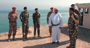 بدر البوسعيدي يزور عدداً من الوحدات والقواعد العسكرية بقطاع مسندم