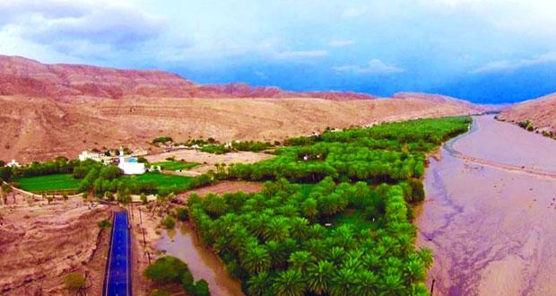 قرية دوت بضنك بساتين خضراء ومياه جارية وشواهد تاريخية