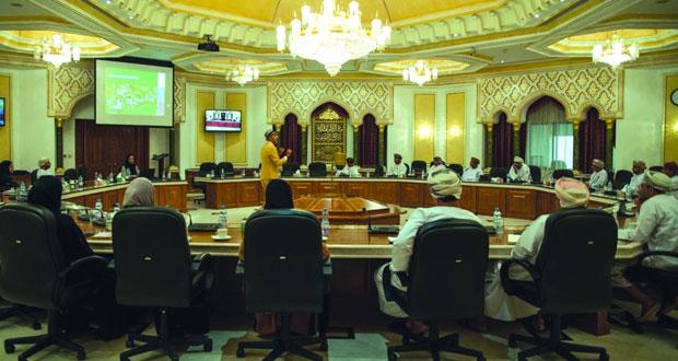بلدية مسقط تنظّم محاضرة حول تصميم وتخطيط المدن