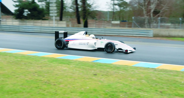 اليوم شهاب الحبسي يخوض التجارب التأهيلية في سباق الفورمولا 4 بفرنسا