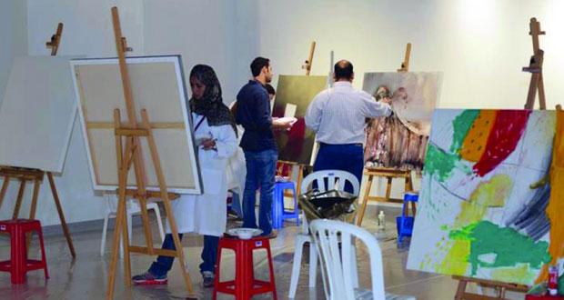 بدء فعاليات الملتقى العربي للفن التشكيلي بمشاركة 37 فنانا من مختلف الدول العربية في الدوحة