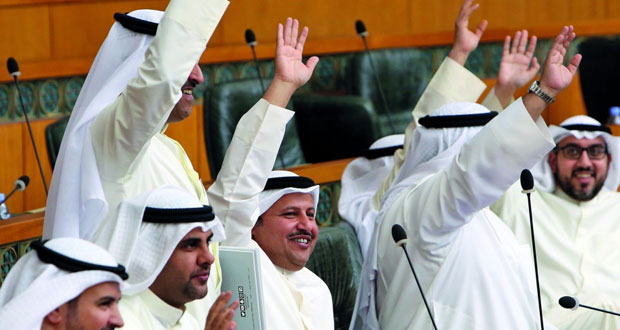 الكويت : مجلس الأمة يوافق على قبول غير الكويتيين بالجيش