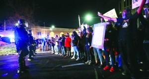 احتجاجات في كاليفورنيا بعد مقتل أميركي من أصول إفريقية برصاص الشرطة