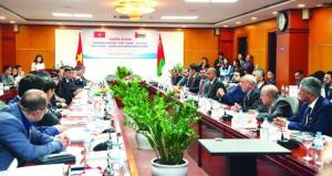 اللجنة العمانية الفيتنامية المشتركة تبحث زيادة حجم التبادل التجاري وتعزيز الجوانب الاستثمارية