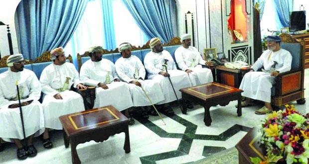 وزير الدولة ومحافظ ظفار يلتقي بأعضاء فرع الغرفة في المحافظة