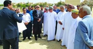 وزير الإسكان يزور عدداً من المدن والمشاريع