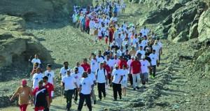 انطلاق فعاليات مسير القوافل الثاني بالخابورة بمشاركة قوافل الابل والفنون التقليدية