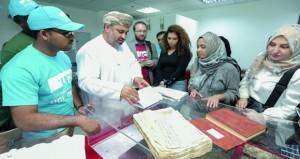 وفد من كلية لندن الجامعية بقطر يطلع على تجربة الوثائق والمحفوظات الوطنية