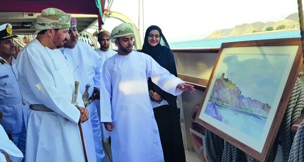 الاحتفال بتتويج الفائزين بمسابقة القوارب الشراعية والرسم والتصوير على متن سفينة (شباب عمان 2)